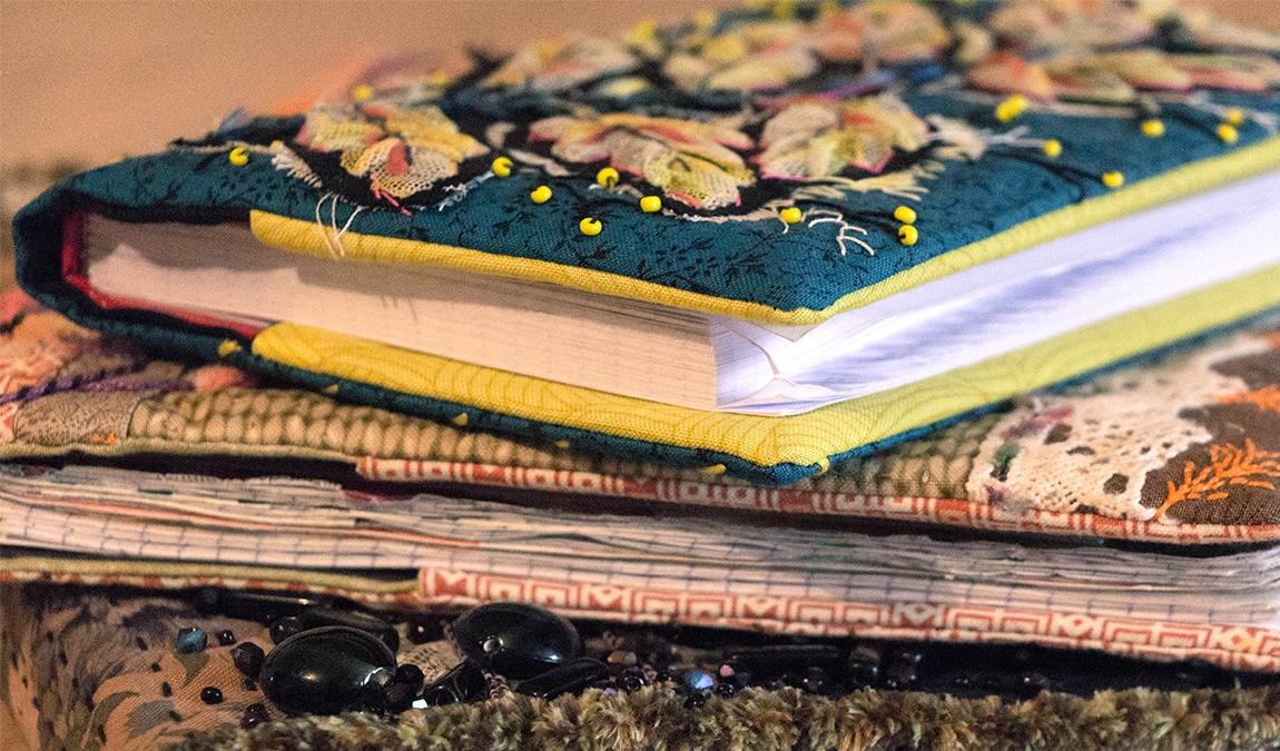 couvertures de cahier brodées, découvrez le tutoriel pour coudre la votre