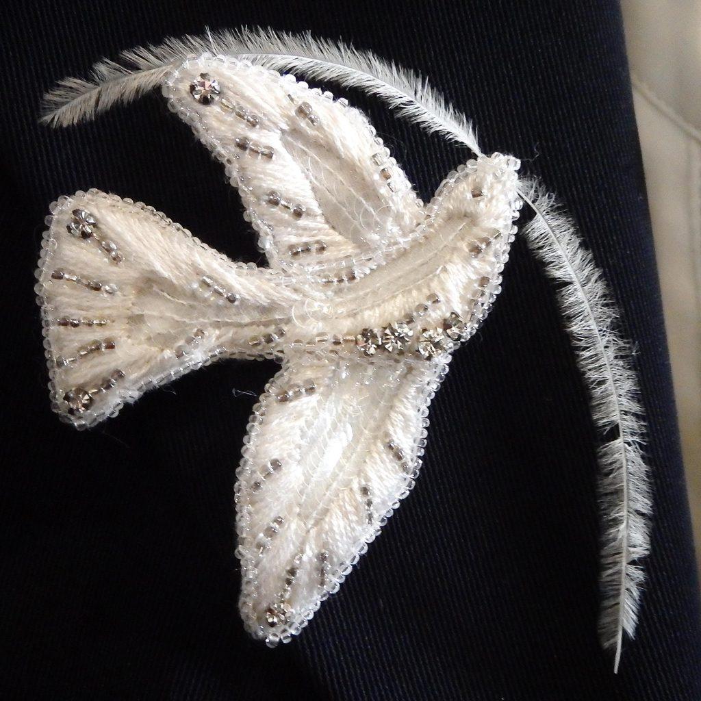 broche réalisée lors d'un stage à l'école Lesage - couture et arts textiles