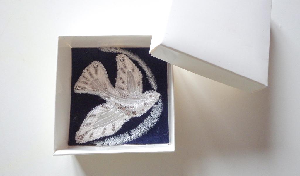 broche réalisée lors d'un stage d'initiation à l'école Lesage - couture et arts textiles